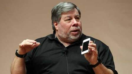 Steve Wozniak criticizes Apple for the iPhone 5 screen