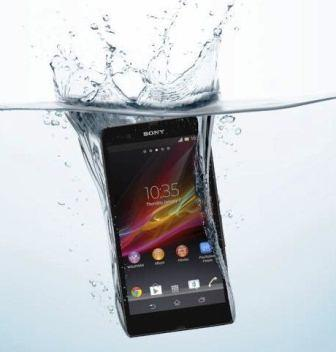 The waterproof phone Sony Xperia Z at CES 2013