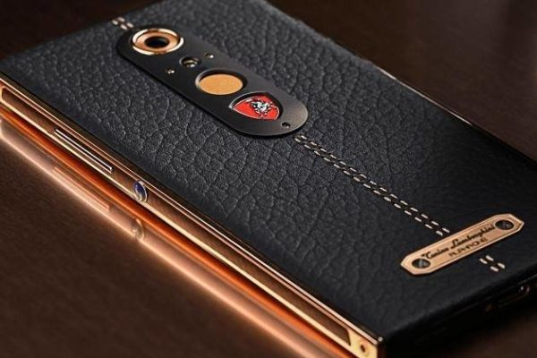 The new super smartphone Tonino Lamborghini Alpha One was created for true connoisseurs of discreet luxury