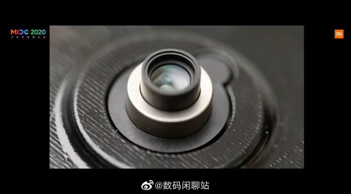 Xiaomi video uploaded to Weibo, the lens is shown protruding from the phone's body like a classic digital camera zoom lens